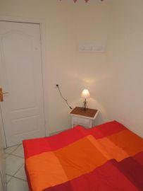 b_203_270_16777215_00_images_stories_Teneriffa-Sued_Playa-de-las-Americas_casa-tropical_2Schlafzimmer3.jpg