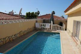 b_270_180_16777215_00_images_stories_Teneriffa-Sued_Callao-Salvaje_villa-sueno-azul_Pool1.jpg
