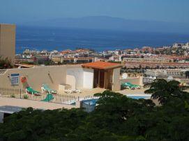b_271_203_16777215_00_images_stories_Teneriffa-Sued_Costa-Adeje_Balcon-del-Atlantico_La-Gomera-Blick.jpg