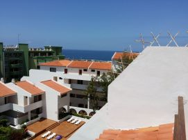 b_271_203_16777215_00_images_stories_Teneriffa-Sued_Costa-Adeje_Puerto-Colon_Fertige-Bilder_Ausblick3.jpg