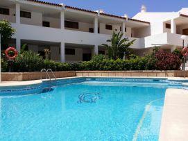 b_271_203_16777215_00_images_stories_Teneriffa-Sued_Costa-Adeje_Puerto-Colon_Fertige-Bilder_Pool1.jpg