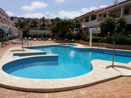b_271_203_16777215_00_images_stories_Teneriffa-Sued_Costa-Adeje_Puerto-Colon_Fertige-Bilder_Pool2.jpg