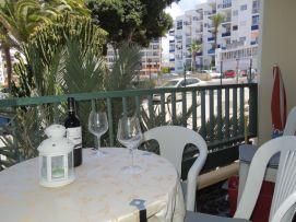 b_271_203_16777215_00_images_stories_Teneriffa-Sued_Los-Cristianos_El-verano_Fertige-Bilder_Balkon3.jpg