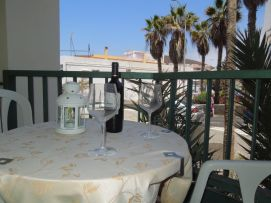 b_271_203_16777215_00_images_stories_Teneriffa-Sued_Los-Cristianos_El-verano_Fertige-Bilder_Balkon4.jpg