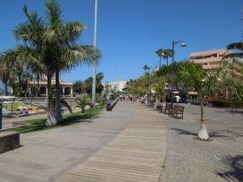 b_271_203_16777215_00_images_stories_Teneriffa-Sued_Los-Cristianos_El-verano_Fertige-Bilder_Promenade1.jpg