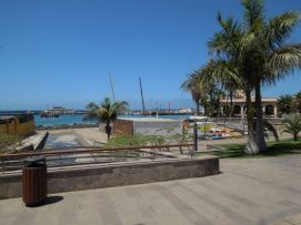 b_271_203_16777215_00_images_stories_Teneriffa-Sued_Los-Cristianos_El-verano_Fertige-Bilder_Promenade2.jpg