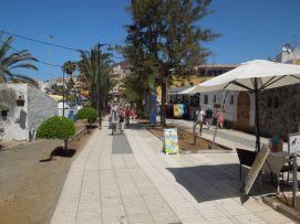 b_271_203_16777215_00_images_stories_Teneriffa-Sued_Los-Cristianos_El-verano_Fertige-Bilder_Promenade4.jpg