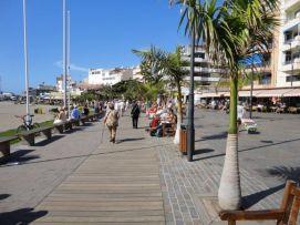 b_271_203_16777215_00_images_stories_Teneriffa-Sued_Los-Cristianos_El-verano_Strandpromenade.jpg