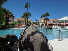 b_271_203_16777215_00_images_stories_Teneriffa-Sued_Los-Cristianos_Playa-Las-Vistas-1_Pool3.jpg