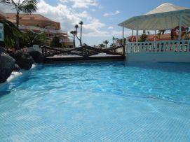 b_271_203_16777215_00_images_stories_Teneriffa-Sued_Los-Cristianos_Playa-Las-Vistas-1_Pool5.jpg