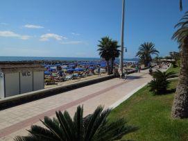 b_271_203_16777215_00_images_stories_Teneriffa-Sued_Los-Cristianos_Playa-Las-Vistas-1_Strand2.jpg