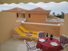 b_271_203_16777215_00_images_stories_Teneriffa-Sued_Los-Cristianos_Playa-Las-Vistas-1_Terrasse1.jpg