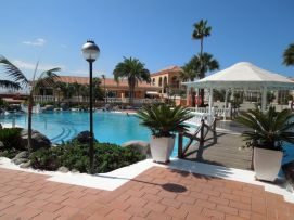 b_271_203_16777215_00_images_stories_Teneriffa-Sued_Los-Cristianos_Playa-Las-Vistas-2_Pool1.jpg