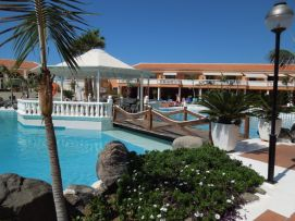 b_271_203_16777215_00_images_stories_Teneriffa-Sued_Los-Cristianos_Playa-Las-Vistas-2_Pool2.jpg