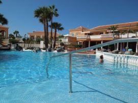 b_271_203_16777215_00_images_stories_Teneriffa-Sued_Los-Cristianos_Playa-Las-Vistas-2_Pool4.jpg