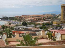 b_271_203_16777215_00_images_stories_Teneriffa-Sued_Los-Cristianos_Playa-Las-Vistas-2_Strand.jpg