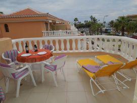 b_271_203_16777215_00_images_stories_Teneriffa-Sued_Los-Cristianos_Playa-Las-Vistas-2_Terrasse6.jpg