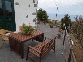 b_271_203_16777215_00_images_stories_Teneriffa-Sued_Playa-San-Juan_Casita-Rustica_Terrasse3.jpg