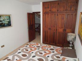 b_271_203_16777215_00_images_stories_Teneriffa-Sued_Playa-San-Juan_Playa-San-Juan_ErstesSchlafzimmer2.jpg