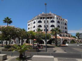 b_271_203_16777215_00_images_stories_Teneriffa-Sued_Playa-de-las-Americas_Parque-SantiagoI_Apartmentgebude_von_aussen.jpg