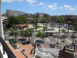 b_271_203_16777215_00_images_stories_Teneriffa-Sued_Playa-de-las-Americas_Parque-SantiagoI_Balkonblick2.jpg