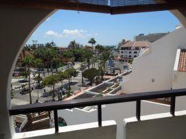 b_271_203_16777215_00_images_stories_Teneriffa-Sued_Playa-de-las-Americas_Parque-SantiagoI_Balkonblick3.jpg