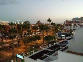 b_271_203_16777215_00_images_stories_Teneriffa-Sued_Playa-de-las-Americas_Parque-SantiagoI_Nachtblick.jpg