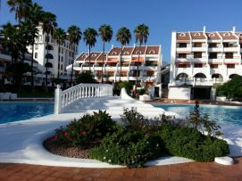 b_271_203_16777215_00_images_stories_Teneriffa-Sued_Playa-de-las-Americas_Parque-SantiagoI_Pool.jpg
