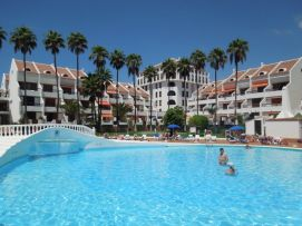 b_271_203_16777215_00_images_stories_Teneriffa-Sued_Playa-de-las-Americas_Parque-SantiagoI_Pool2.jpg