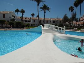 b_271_203_16777215_00_images_stories_Teneriffa-Sued_Playa-de-las-Americas_Parque-SantiagoI_Pool6.jpg