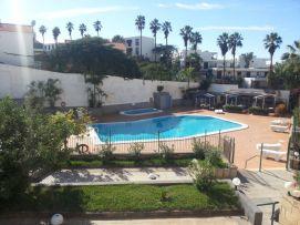 b_271_203_16777215_00_images_stories_Teneriffa-Sued_Playa-de-las-Americas_Playa-Veronicas_pool_a1.jpg
