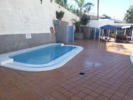 b_271_203_16777215_00_images_stories_Teneriffa-Sued_Playa-de-las-Americas_Playa-Veronicas_pool_a4.jpg