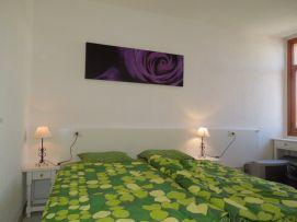 b_271_203_16777215_00_images_stories_Teneriffa-Sued_Playa-de-las-Americas_casa-tropical_1Schlafzimmer2.jpg