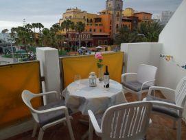 b_271_203_16777215_00_images_stories_Teneriffa-Sued_Playa-de-las-Americas_parque-santiago3_Balkon2.jpg