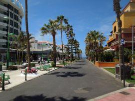 b_271_203_16777215_00_images_stories_Teneriffa-Sued_Playa-de-las-Americas_parque-santiago3_Einkaufspassage2.jpg