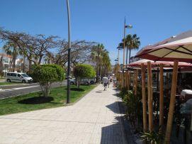b_271_203_16777215_00_images_stories_Teneriffa-Sued_Playa-de-las-Americas_parque-santiago3_Einkaufspassage3.jpg