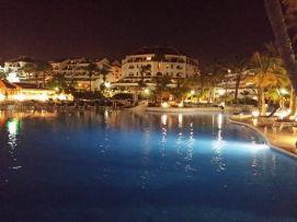 b_271_203_16777215_00_images_stories_Teneriffa-Sued_Playa-de-las-Americas_parque-santiago3_Pool-nachts2.jpg