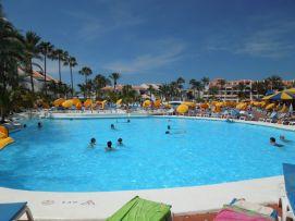 b_271_203_16777215_00_images_stories_Teneriffa-Sued_Playa-de-las-Americas_parque-santiago3_Pool3.jpg