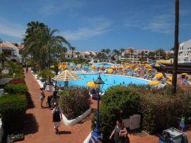 b_271_203_16777215_00_images_stories_Teneriffa-Sued_Playa-de-las-Americas_parque-santiago3_Pool4.jpg