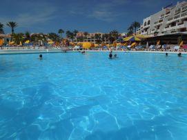 b_271_203_16777215_00_images_stories_Teneriffa-Sued_Playa-de-las-Americas_parque-santiago3_Pool5.jpg