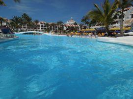 b_271_203_16777215_00_images_stories_Teneriffa-Sued_Playa-de-las-Americas_parque-santiago3_Pool6.jpg