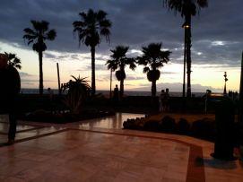 b_271_203_16777215_00_images_stories_Teneriffa-Sued_Playa-de-las-Americas_parque-santiago3_Sonnenuntergang.jpg
