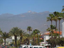 b_271_203_16777215_00_images_stories_Teneriffa-Sued_Playa-de-las-Americas_parque-santiago3_Teideblick.jpg