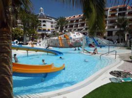 b_271_203_16777215_00_images_stories_Teneriffa-Sued_Playa-de-las-Americas_parque-santiago3_Wasserpark2.jpg