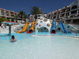 b_271_203_16777215_00_images_stories_Teneriffa-Sued_Playa-de-las-Americas_parque-santiago3_Wasserpark3.jpg