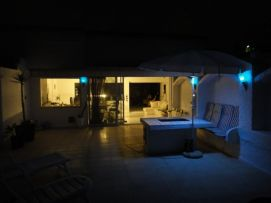 b_271_203_16777215_00_images_stories_Teneriffa-Nord_LosRealejos_Casa-del-Mar_Terrasse_bei_Nacht.jpg